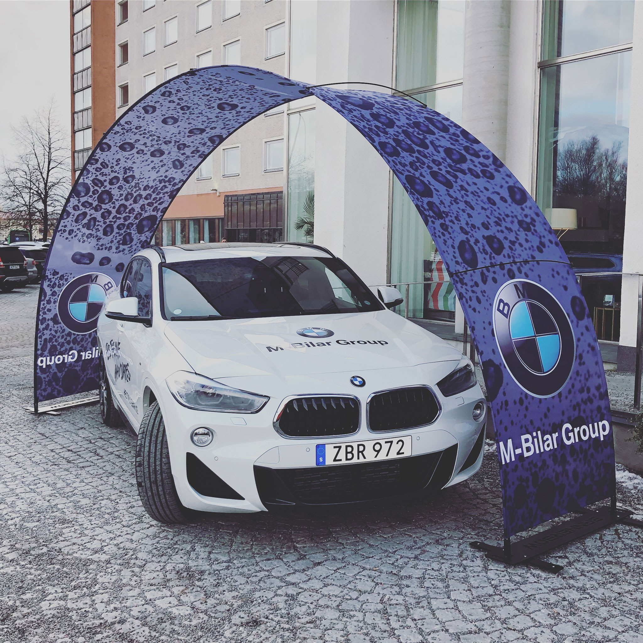 BMW_Bannerbow